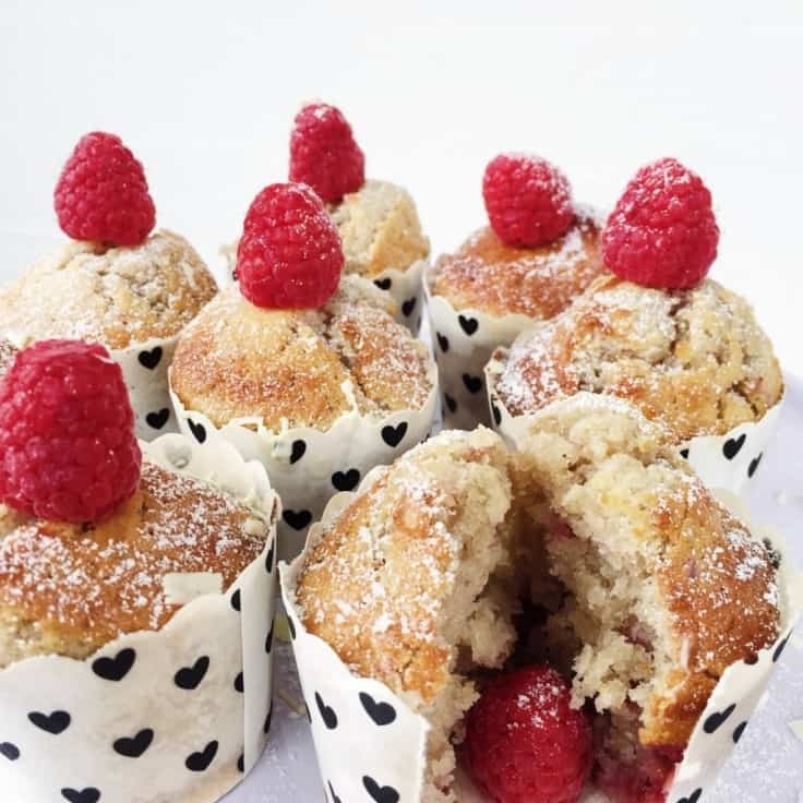 Hindbærmuffins med hvidchokolade
