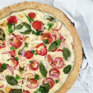 Tomattærte med basilikum