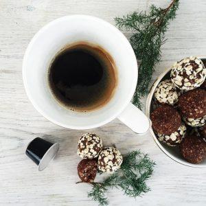 Havregrynskugler med kaffe og rom