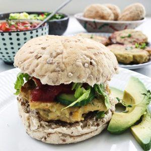 Kikærtebøf i vegetarburger
