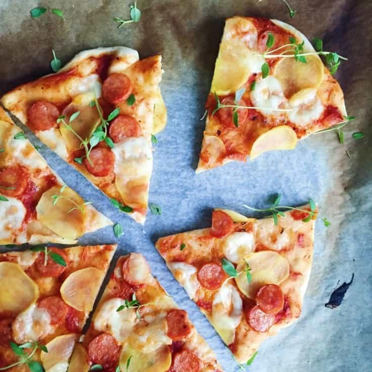 Pizza med chorizopølse