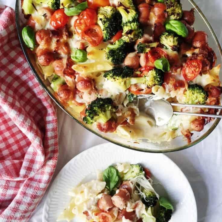 Pølseret med pasta og grøntsager