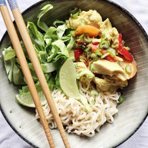 Asiatisk kylling med nudler