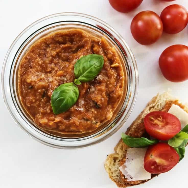 Tomatpesto med solmodne friske tomater