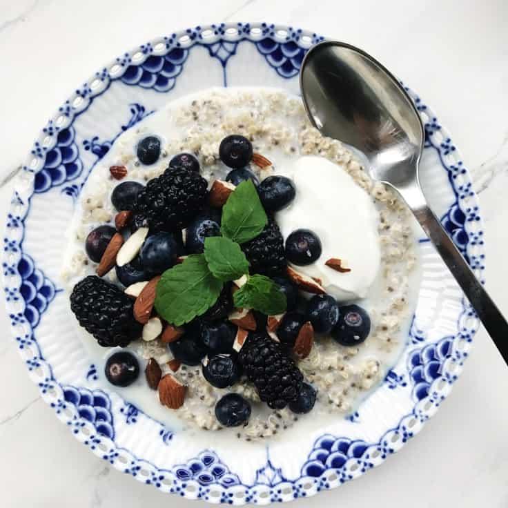 Morgengrød med quinoa og chiafrø