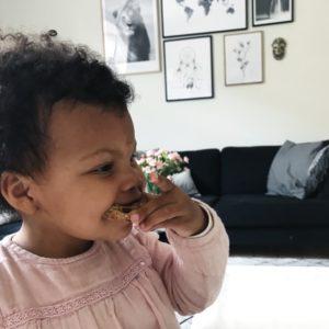 Maria Vestergaards datter med madpakkeboller
