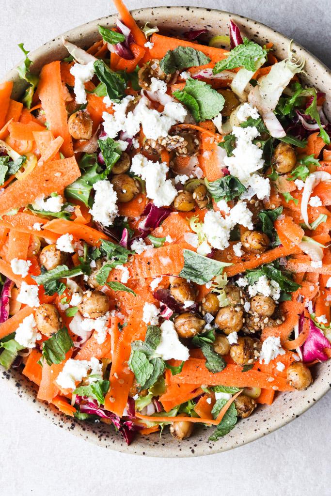 Salat med gulerod