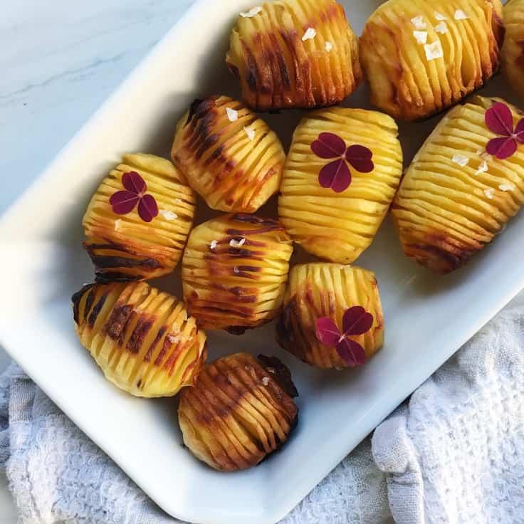 Hasselback kartofler med havsalt