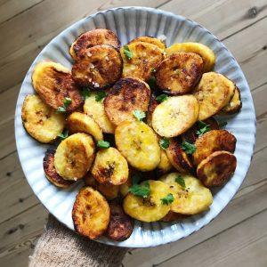 Stegte plantains med olie