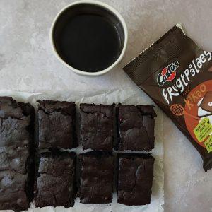 Bønne brownie med castus