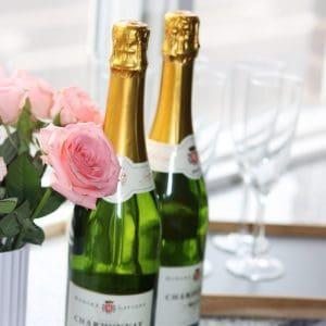 Champagne og blomster