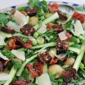 Asparges salat med bacon