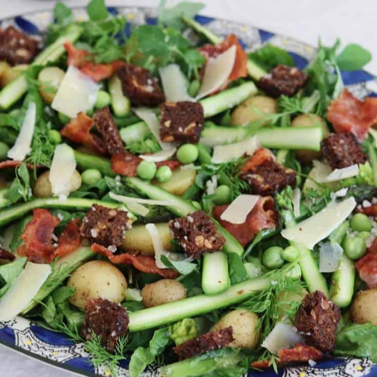 Salat med asparges og bacon