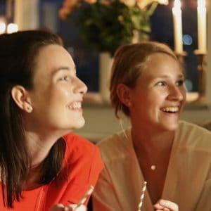 Glade piger
