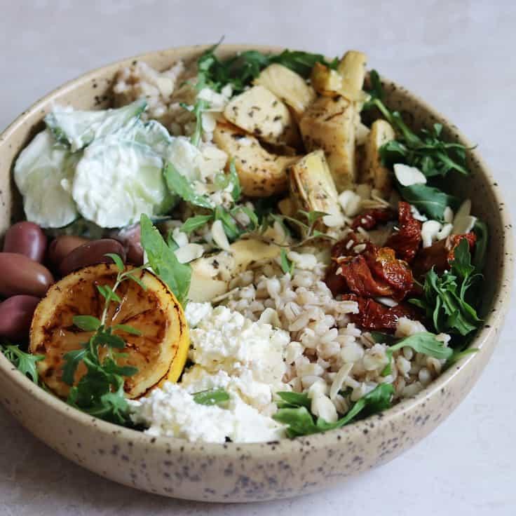 Rucolasalat med artiskok og oliven