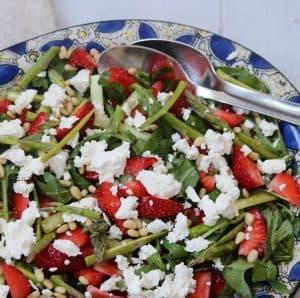 Sommersalat med jordbær