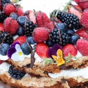 Marengslagkage med bær