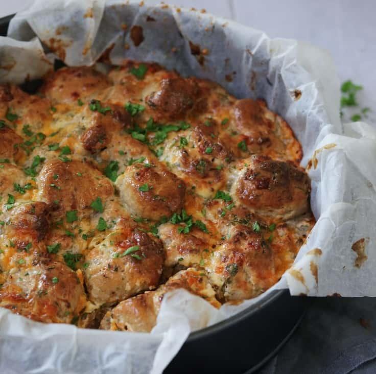 Ostebrød med hvidløg og krydderurter