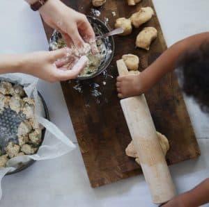 Børn der bager