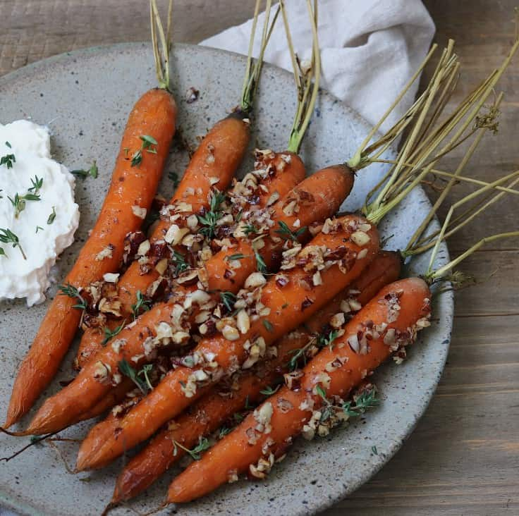 Bagte gulerødder med hasselnødder