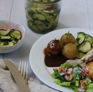 Hjemmelavet agurke salat