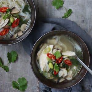 Asiatisk kyllingesuppe