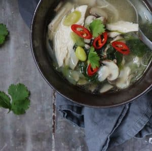 Asiatisk kyllinge suppe
