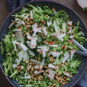 Grøn salat med broccoli
