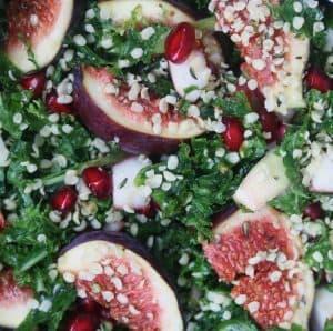 Granatæblekerner i salat
