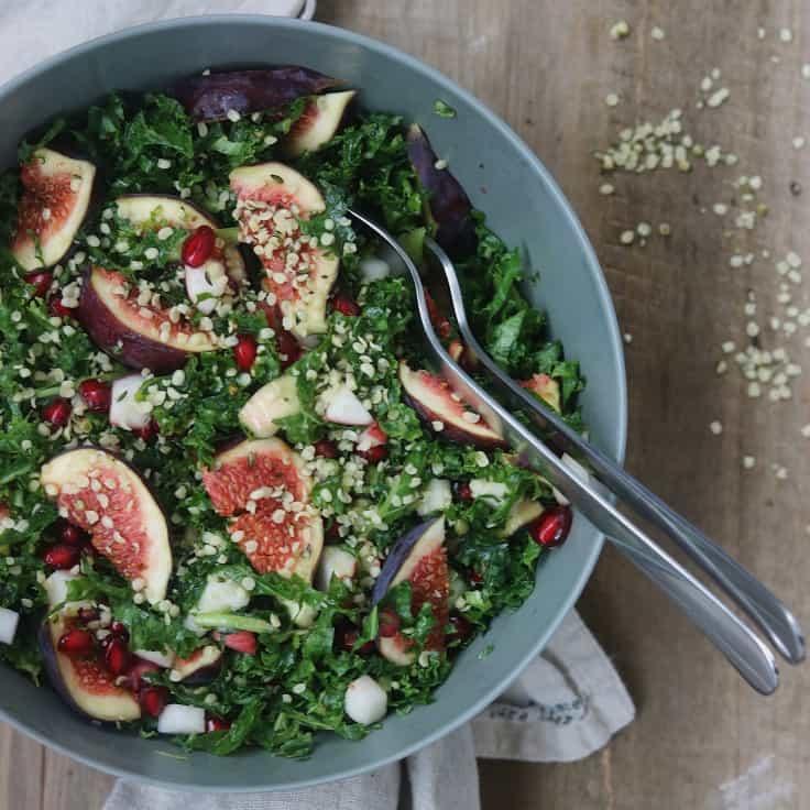 Salat med granatæble og grønkål