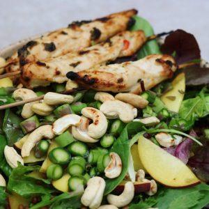 Marineret kylling og salat