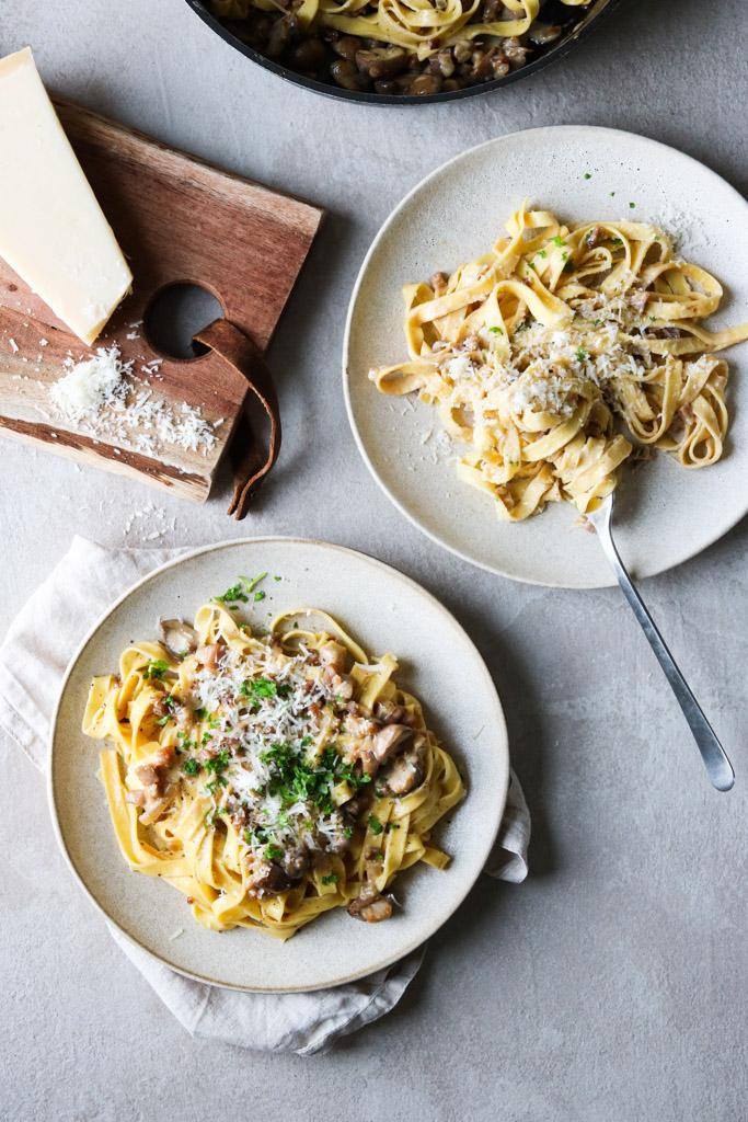 Pasta med svampe og bacon