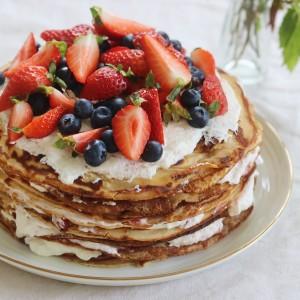 Pandekage lagekage med flødeskum