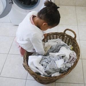 Barn og vasketøj
