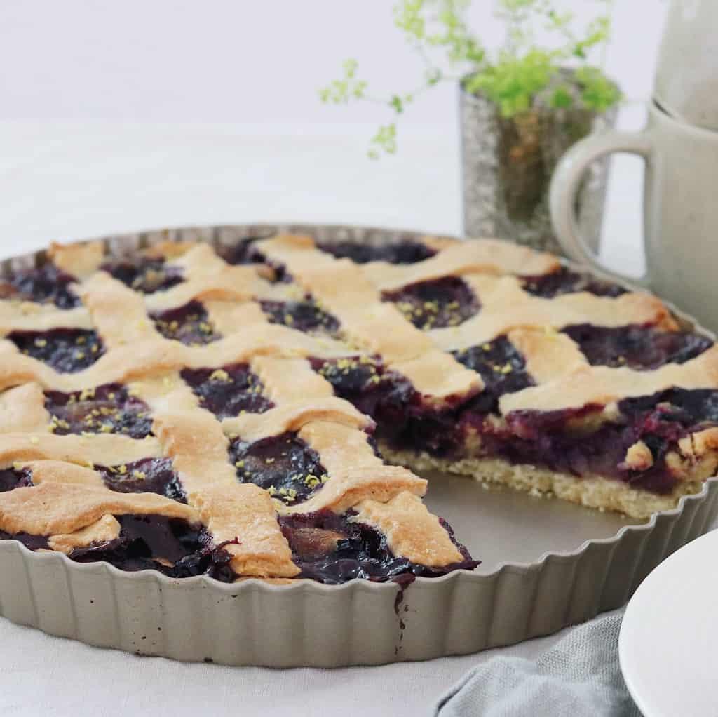 Flettærte med blåbær og mazarinfyld