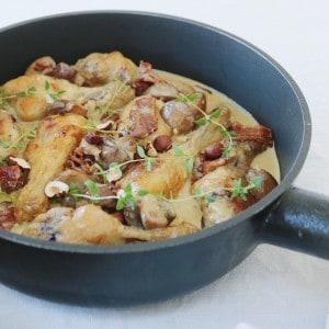 Kyllingelår i svampesauce