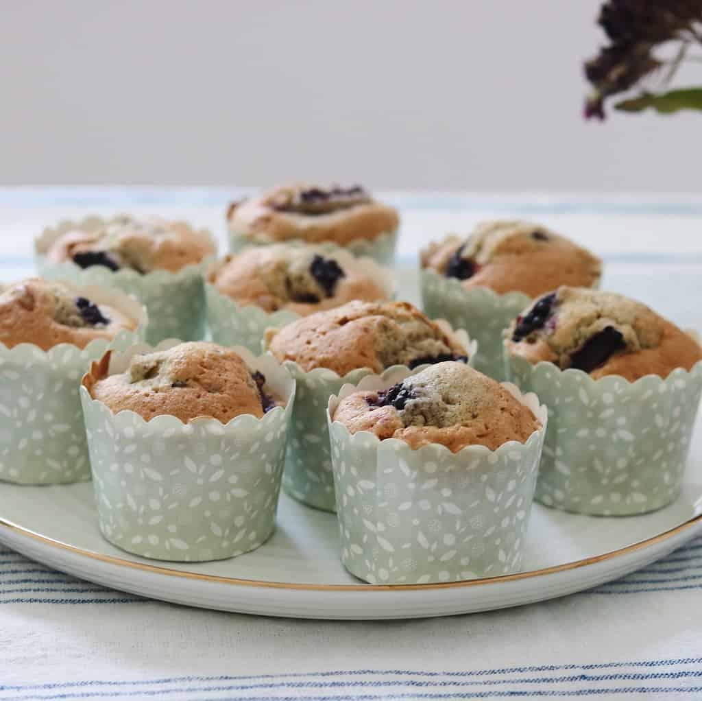 Muffins med frugt og vanilje