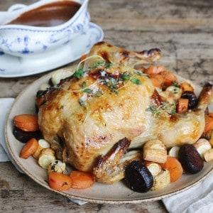 Kyllingesteg med rodfrugter