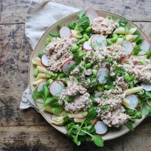 Salat med pasta og tun