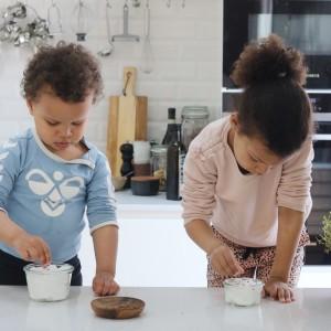 Børn dyrker karse