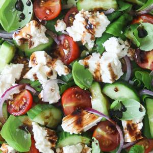 Græsk salat med fetaost
