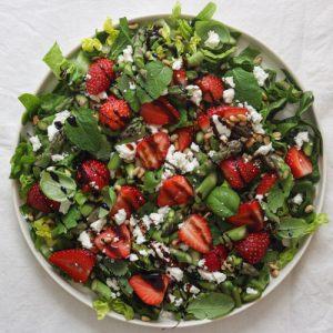Jordbærsalat med balsamicoglace