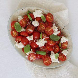 Salat med tomater