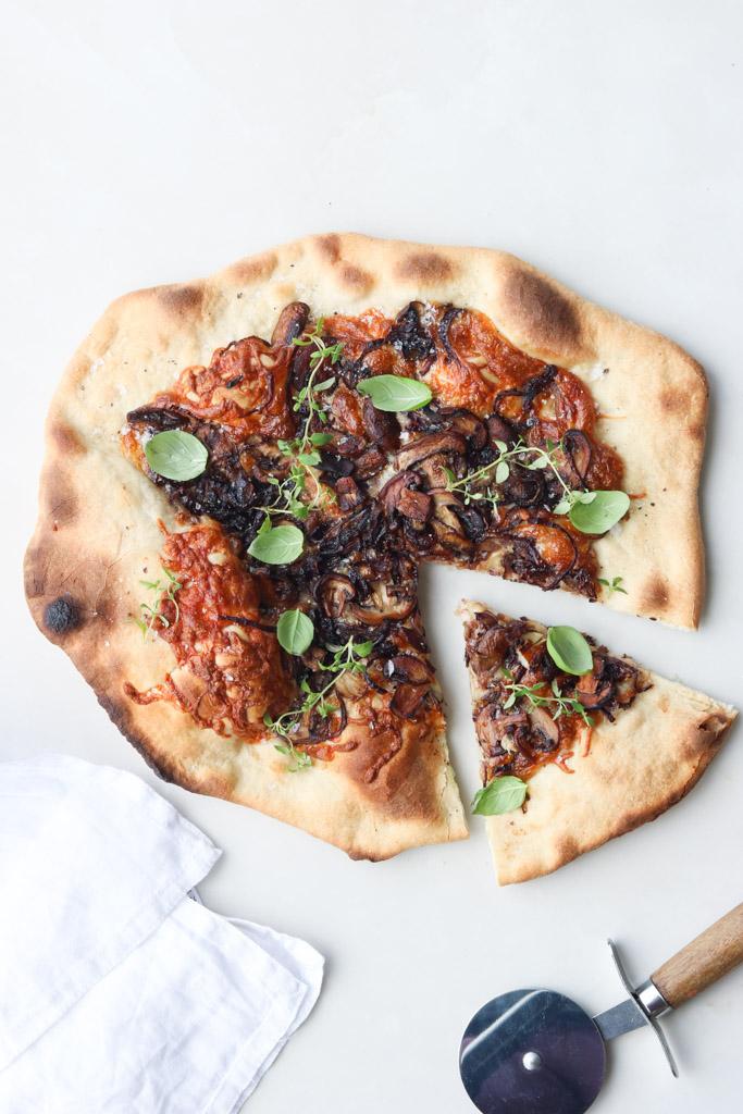 Svampe på pizza